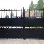 Réalisation et pose d'un portail motorisé (dimension 5.5 m x 2.6 m)
